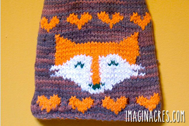closeup of the fox knitting design