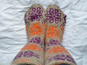 What could be better on a chilly day than a beautiful pair of muk luks?! This muk luk knitting pattern is sure to please your feet!